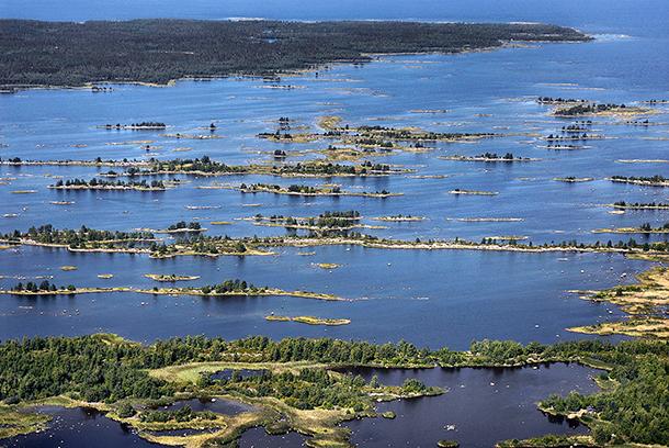 Raippaluodon Björkössä on moreeniharjanteita. Kuva: Seppo Lammi / Merenkurkun neuvosto