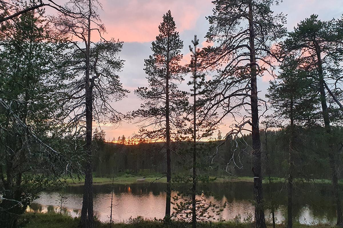 Auringonlasku Lankojärvellä
